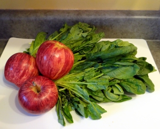 Organic spinach and organic apples